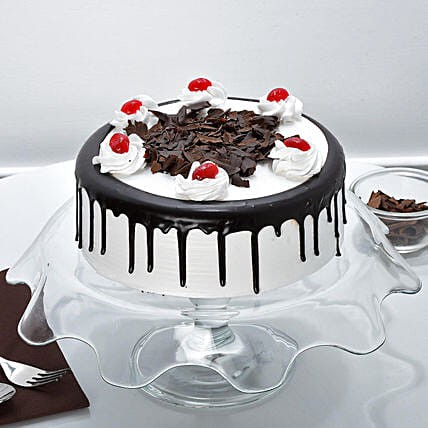 Why Should a Cake Shop Offer Cake Delivery Service?