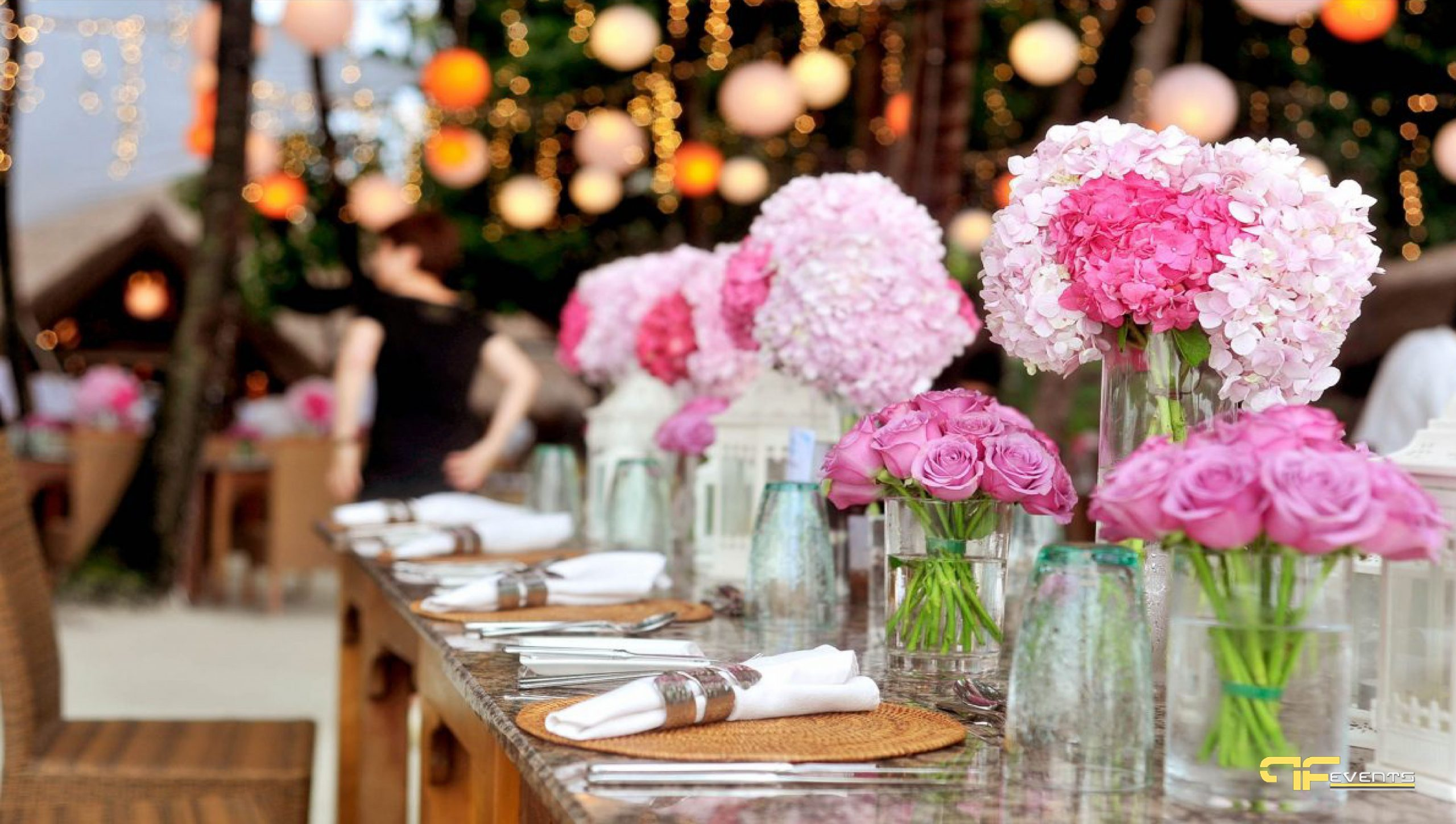 Entertainment Companies: Hire a Professional to Perform on Your Wedding or Reception